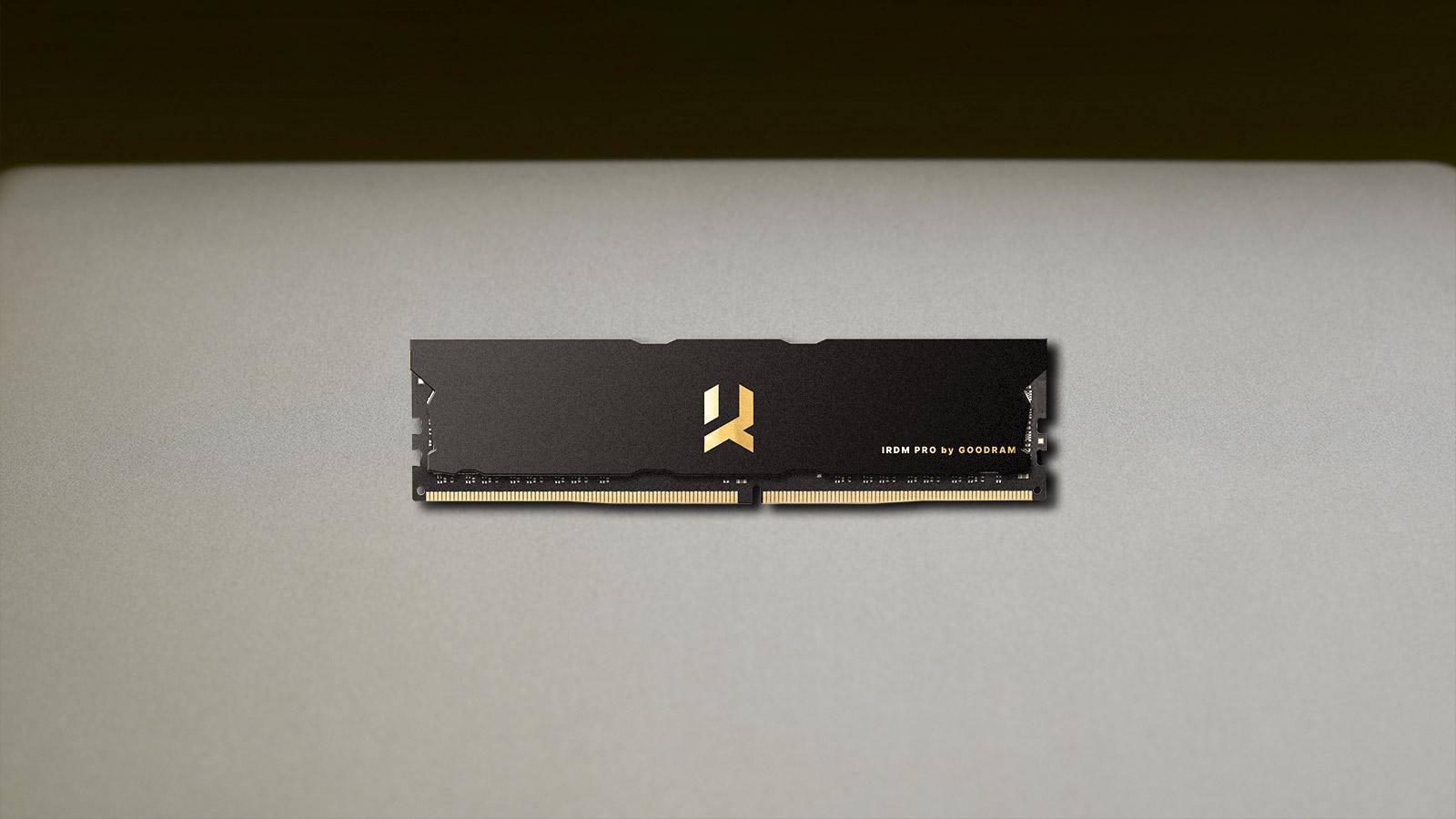 GOODRAM RAM moduly IRDM PRO